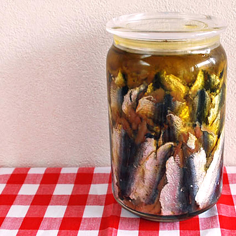 エキストラバージンオリーブオイルを使った手作りアンチョビのレシピ