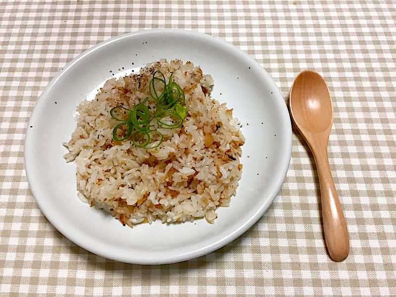 にんたま塩麴×オリーブクエストで極楽ソース ガーリックライス
