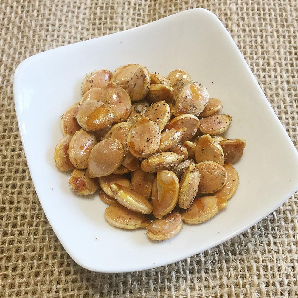 オリーブオイルを使ったカボチャの煎り種