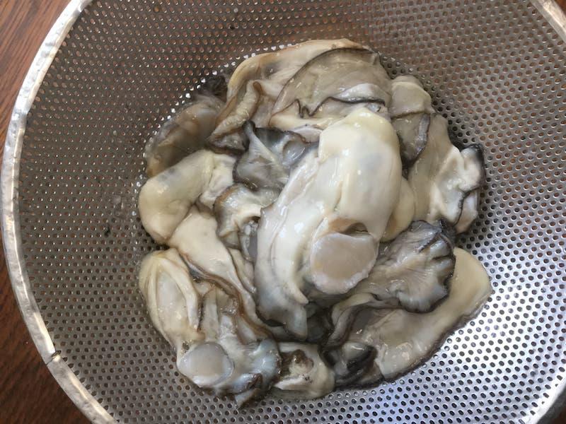 冬の牡蠣(かき)のオイル漬け:鮮度が良く、ふっくらした冬牡蠣