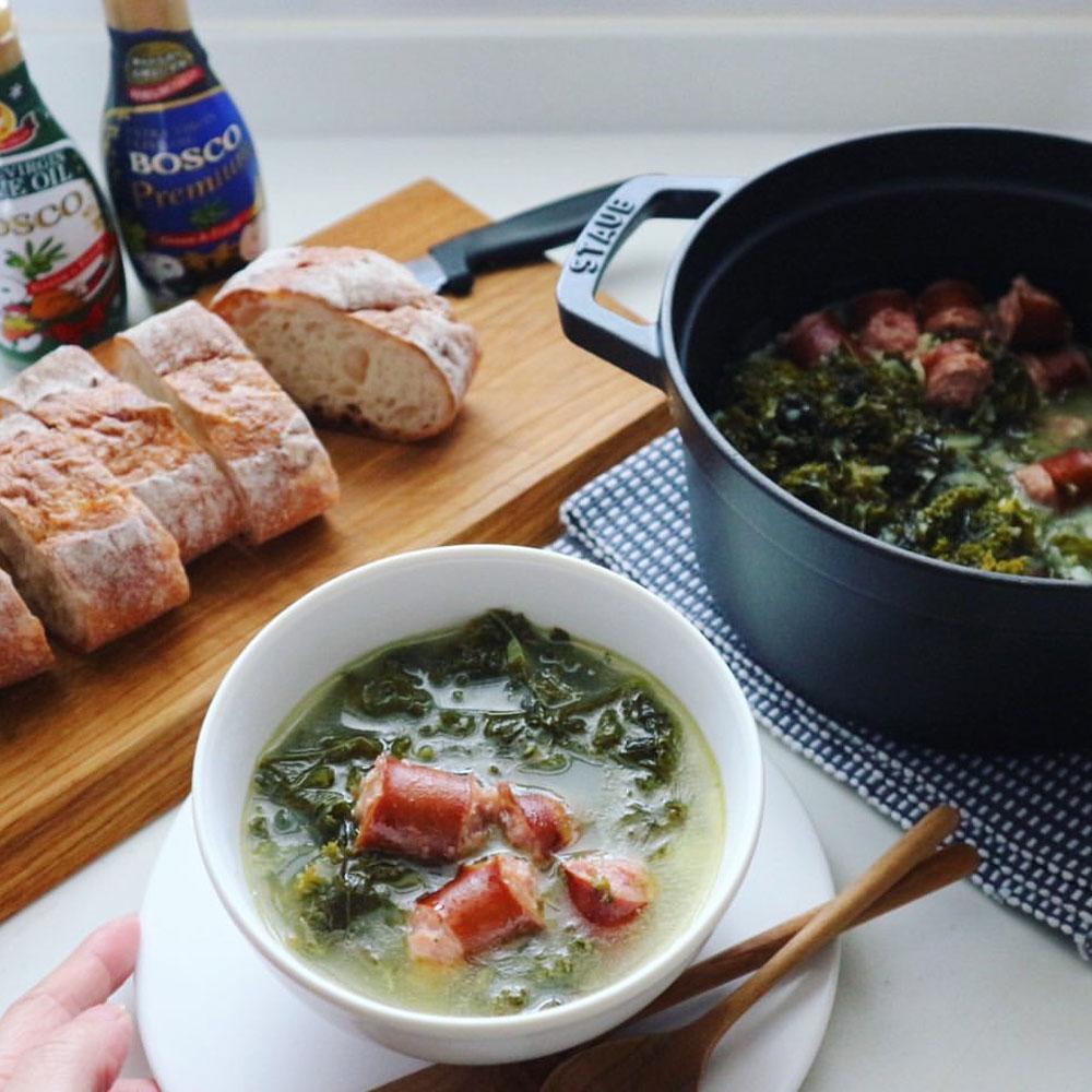 オリーブオイルを使った青菜のスープ、カルド・ヴェルデ風スープ