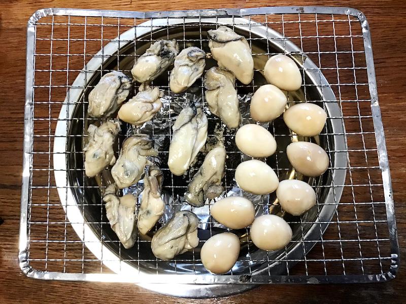 牡蠣の燻製オリーブオイル漬け:すきまができるように並べる