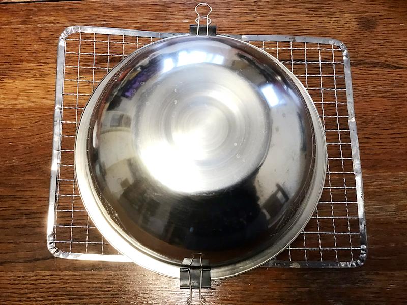 牡蠣の燻製オリーブオイル漬け:クリップで止める
