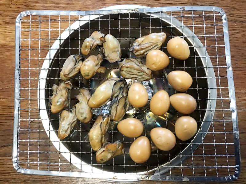 牡蠣の燻製オリーブオイル漬け:香ばしい薫りと色がつく
