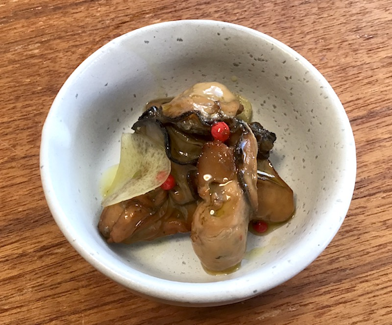 牡蠣の燻製オリーブオイル漬け:つまみに最高!