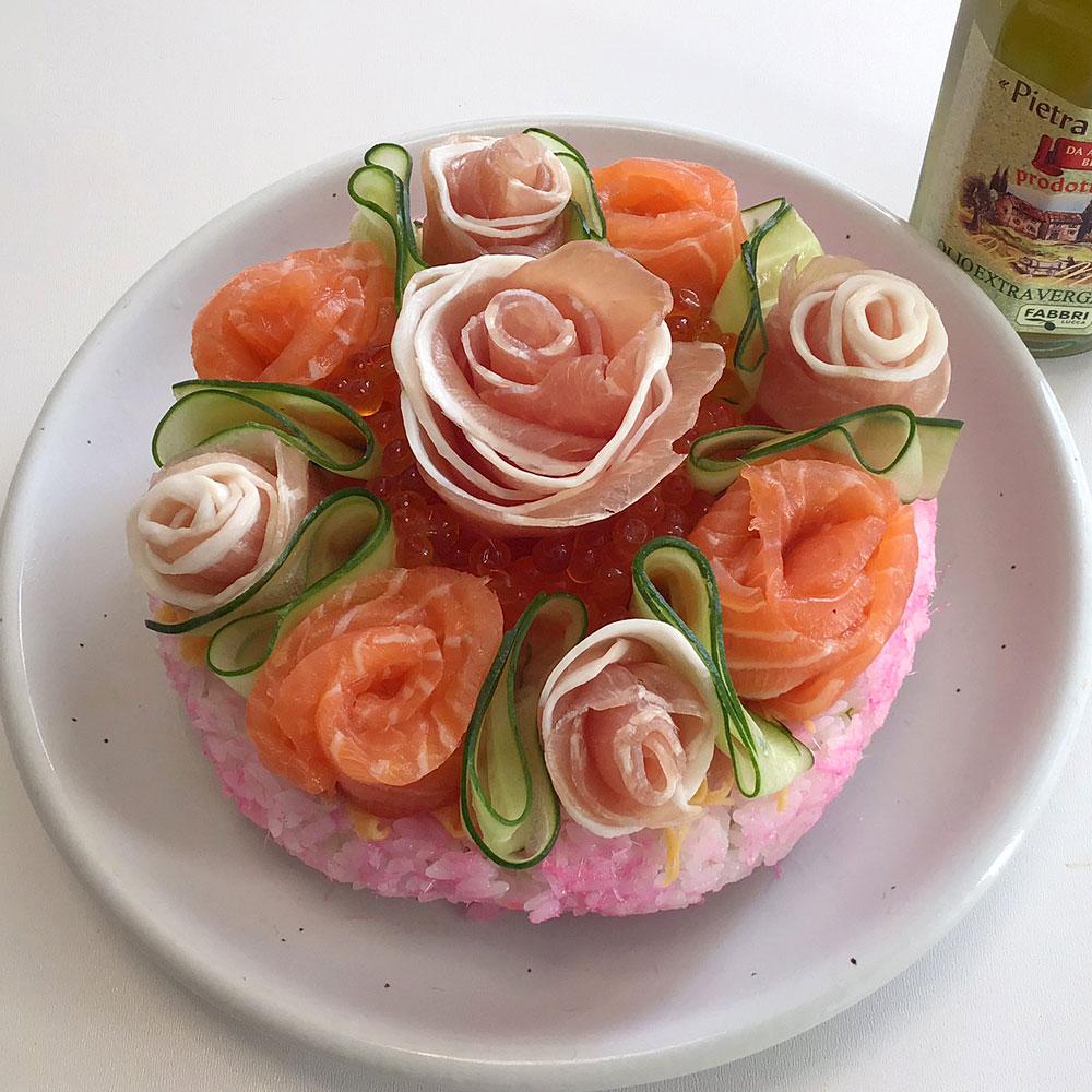 オリーブオイルがアクセントの寿司ケーキ