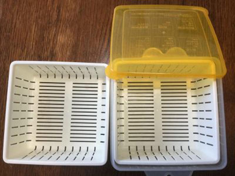 100均のザル付き保存容器。便利!