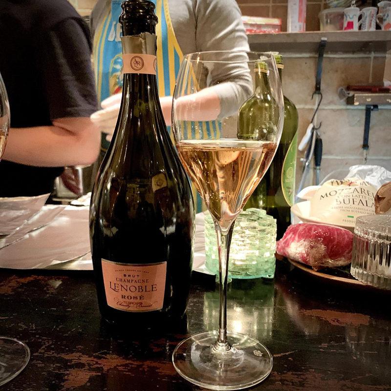 ロゼのシャンパン