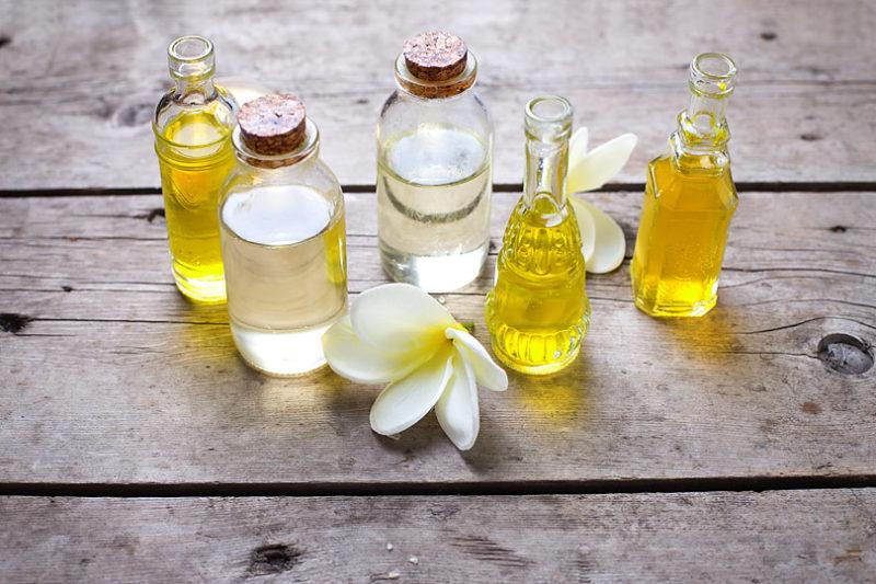 ホホバオイル、スクワランオイル、アルガンオイルなど、美容オイルの取り入れ方と種類って?