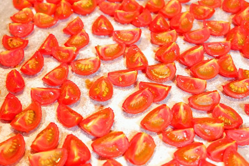 乾燥してできたセミドライトマト