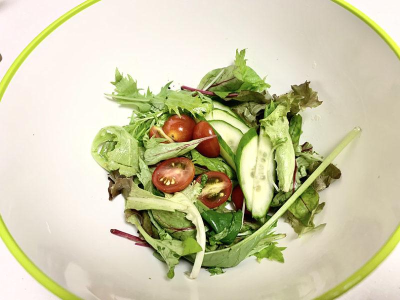 野菜は食べやすい大きさに切る