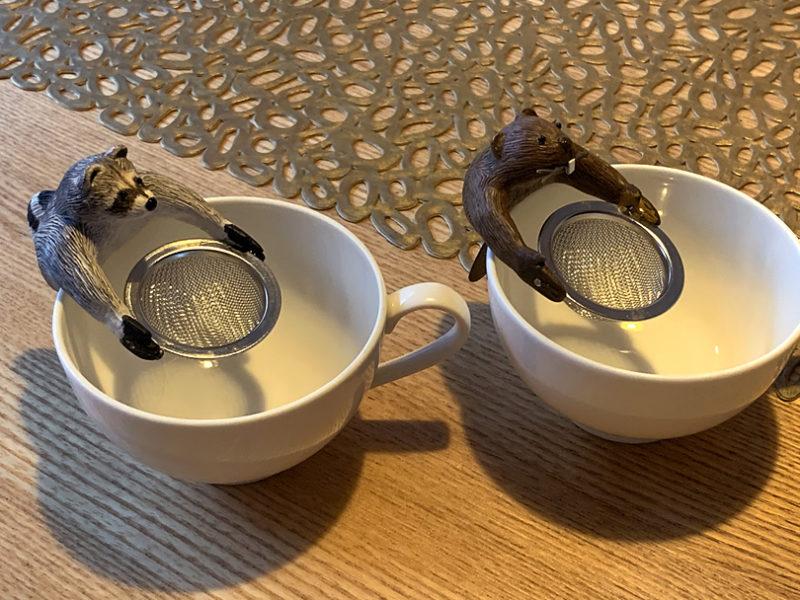 「茶こし人形」アライグマとビーバー