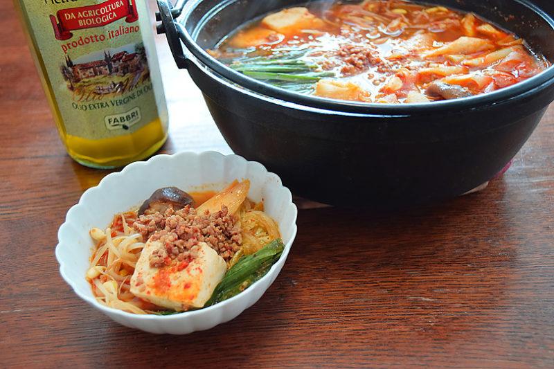 巣ごもり忘年会に、〆は大根麺の担々鍋とオリーブオイル