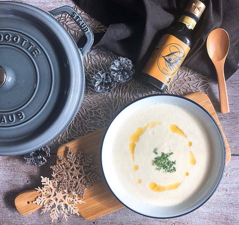 オリーブオイルの香り引き立つ白菜の濃厚豆乳ポタージュ