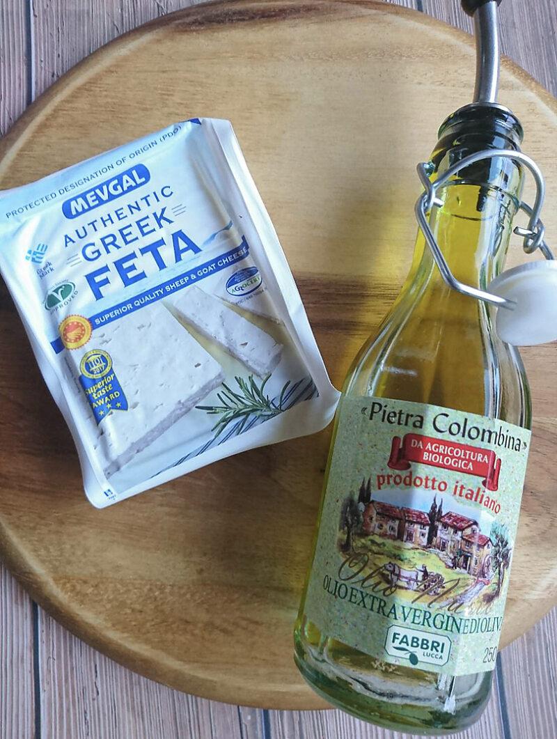 フェタチーズとエクストラバージンオリーブオイル