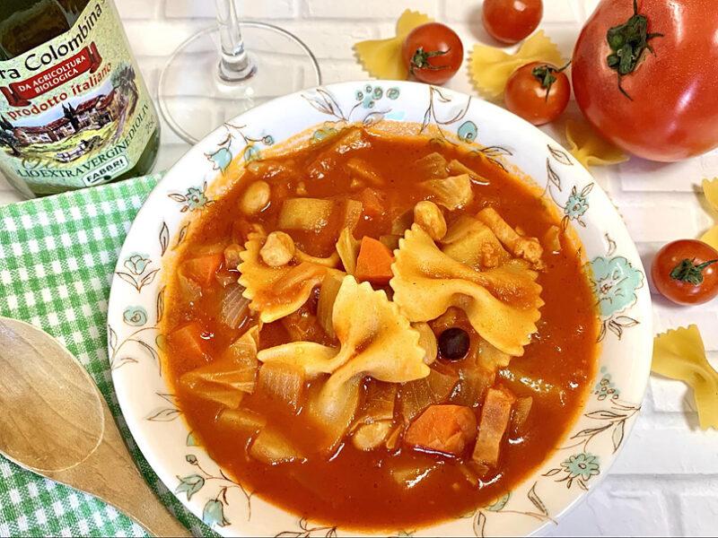 オリーブオイルで旨味たっぷり!食事にもなるガッツリミネストローネ