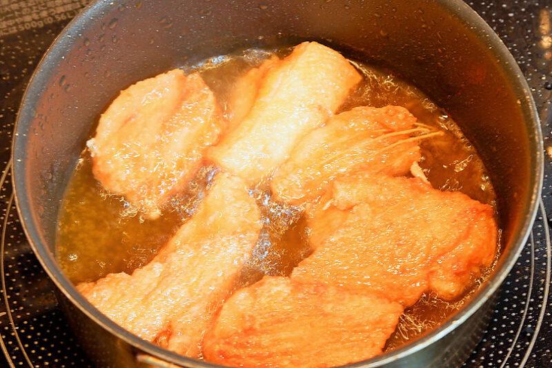 170℃の油でカリカリになるまでじっくり揚げる