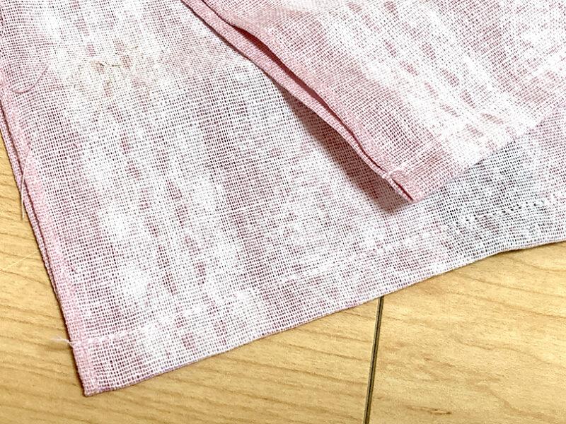 縫いはじめと縫い終わりで返しミシンをして直線縫いします