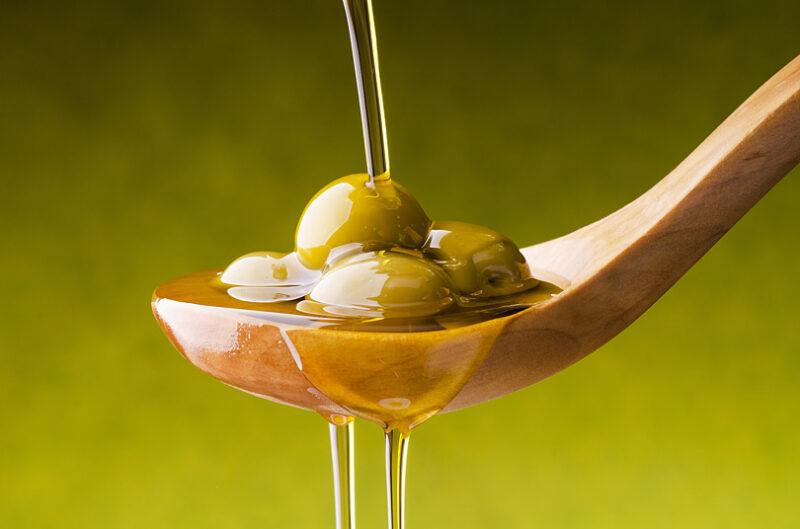 オリーブオイルって健康にいいの?安全なの?