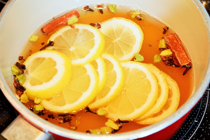 レモンを加え弱火で加熱