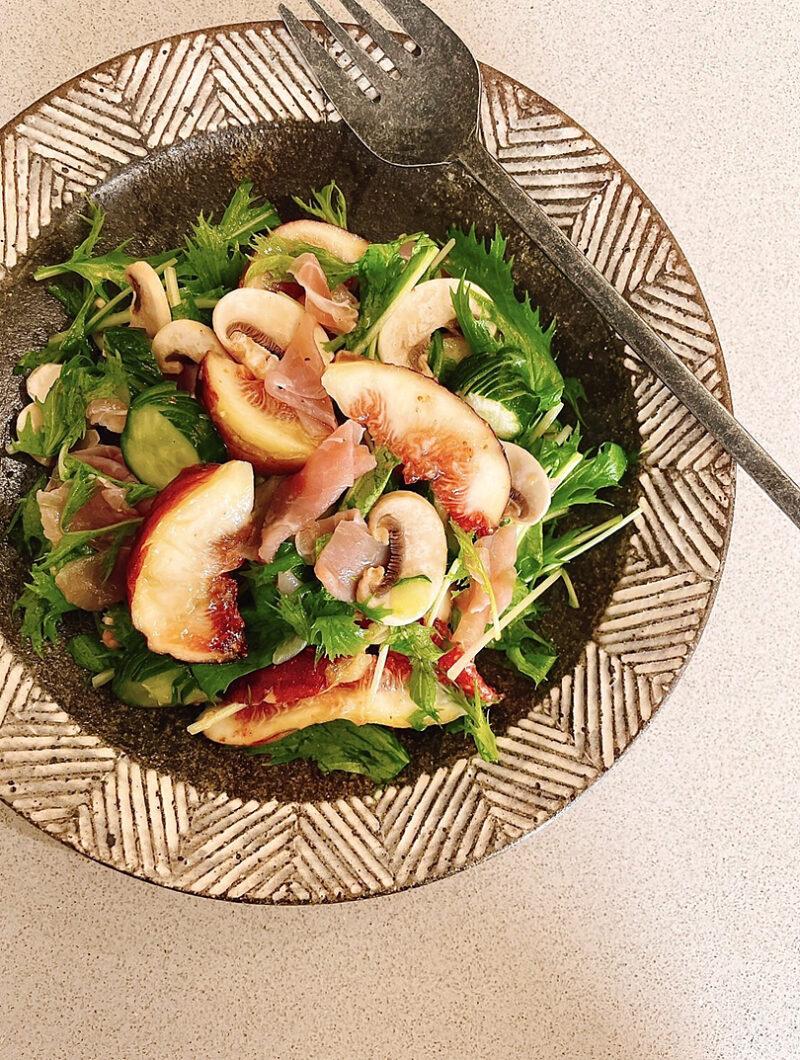 エクストラバージンオリーブオイル香る生ハムといちじくと水菜のサラダ