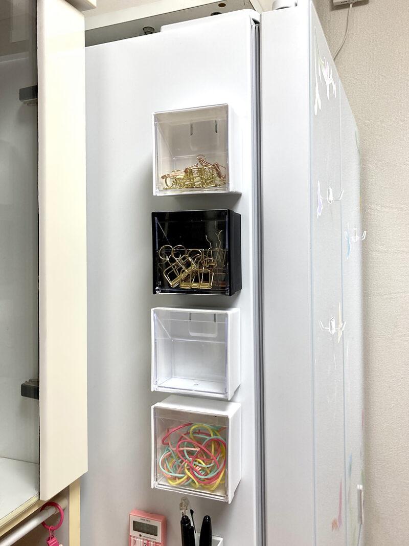 冷蔵庫のサイドに貼り付けてみました